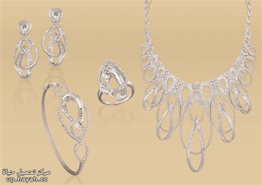 تشكيله جديده من المجوهرات فخمه ومميزه lfgcI.jpg